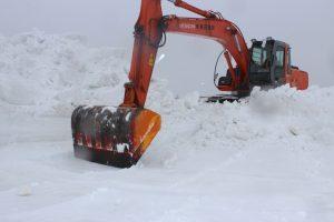 関谷0306雪下ニンジン除雪が急ピッチIMG_1904.jpg-1