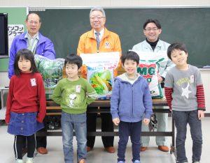 十日町 市内小中学校へ 肥料無料配布