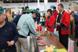 新潟市 トマト試食宣伝会